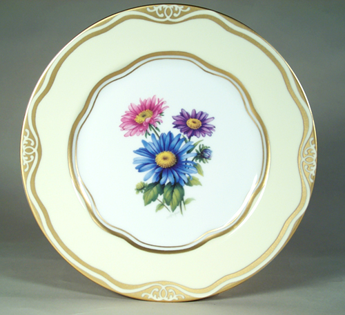 """Flowers of the First Ladies  Collection                                          Dessert Plate """"Aster"""
