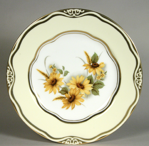 """Flowers of the First Ladies  Collection                                          Dessert Plate """"Yello"""