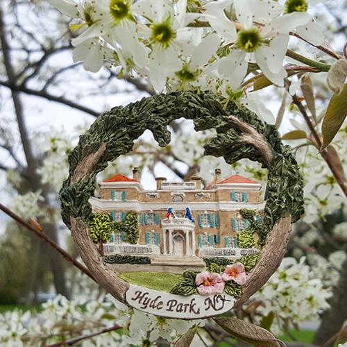 Ameriscape Springwood Ornament